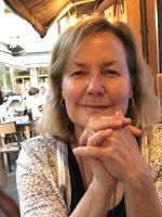 Unreal Veterinary Careers – An interview with Dr Deborah Neutze, Veterinary Consultant